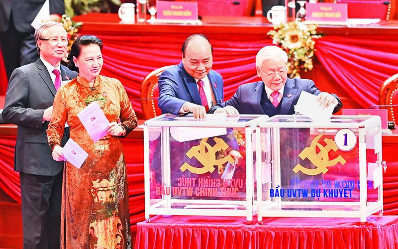 Ðại hội làm việc tại Hội trường, bầu cử Ban Chấp hành T.Ư Ðảng khóa XIII -0