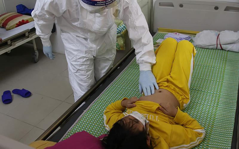 Bệnh viện Bạch Mai chi viện bác sĩ nhi khoa cho BV dã chiến tại Hải Dương -0