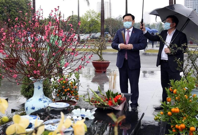 Lãnh đạo Đảng, Nhà nước vào Lăng viếng Chủ tịch Hồ Chí Minh nhân dịp Tết Nguyên đán Tân Sửu -0