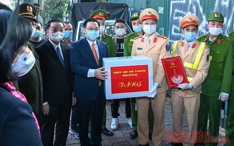 Lãnh đạo thành phố Hà Nội dâng hương tưởng nhớ Chủ tịch Hồ Chí Minh -0