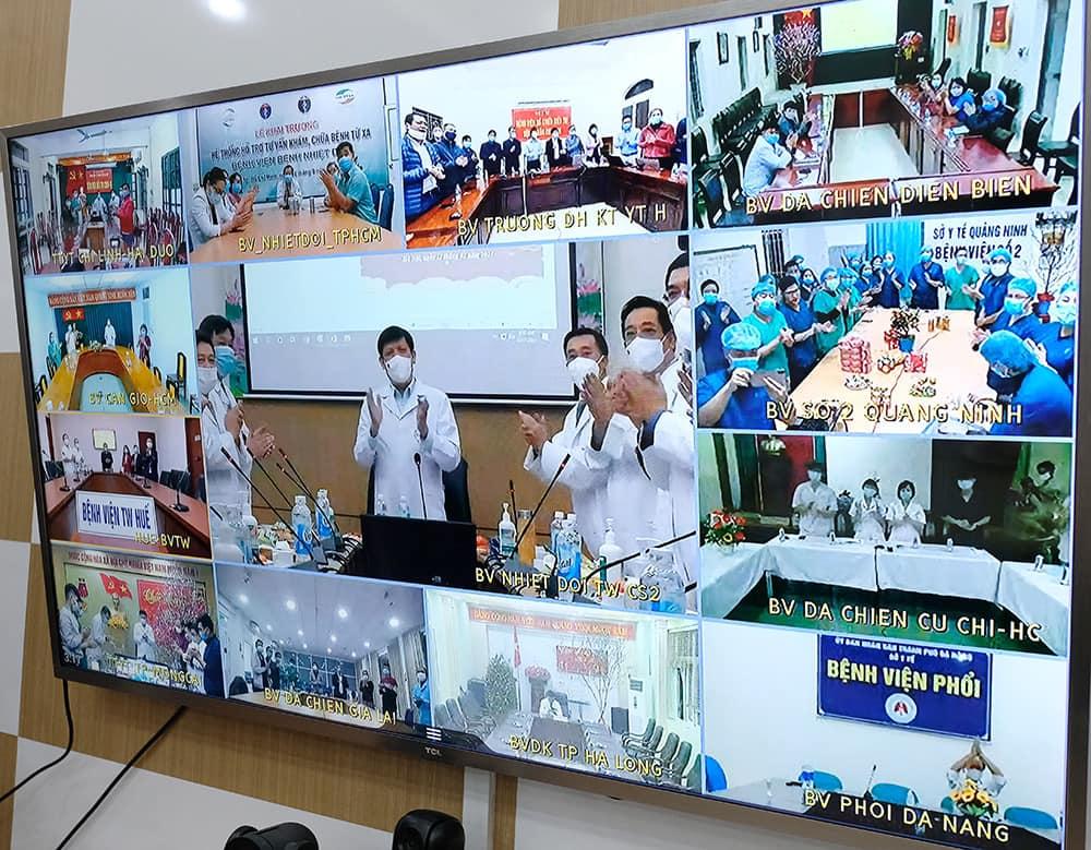 Bộ trưởng Y tế đón giao thừa trực tuyến với các cơ sở điều trị bệnh nhân Covid-19 -0