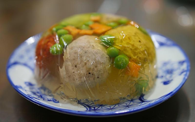 """""""Bếp nhà cháu"""" chia sẻ tình yêu với ẩm thực Việt -0"""