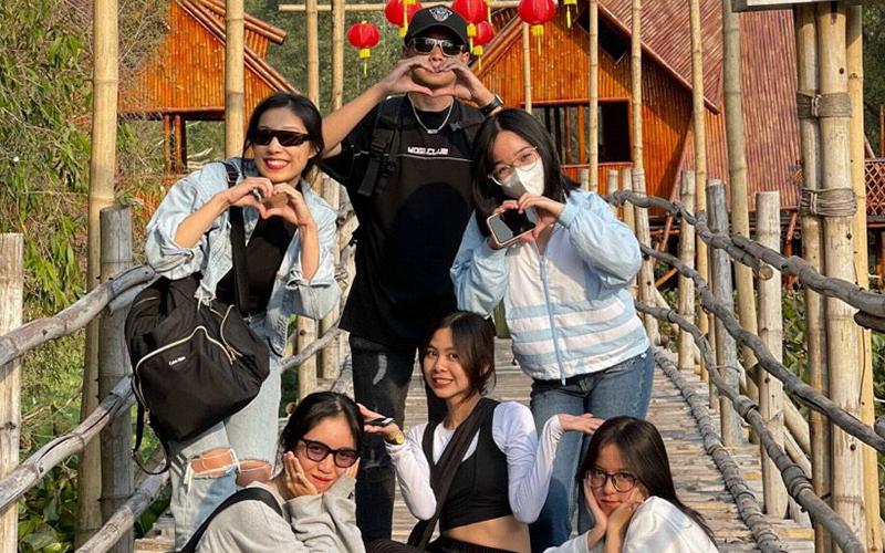 Khách du xuân rừng tràm Trà Sư, check-in cầu tre dài nhất Việt Nam -0