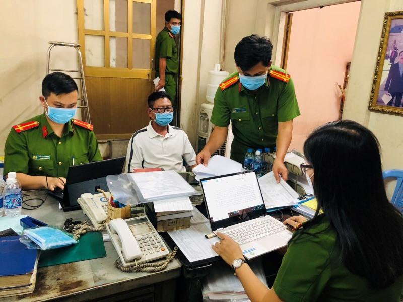 """Phát hiện kho hàng nhập lậu """"khủng"""" ở Đồng Nai -0"""