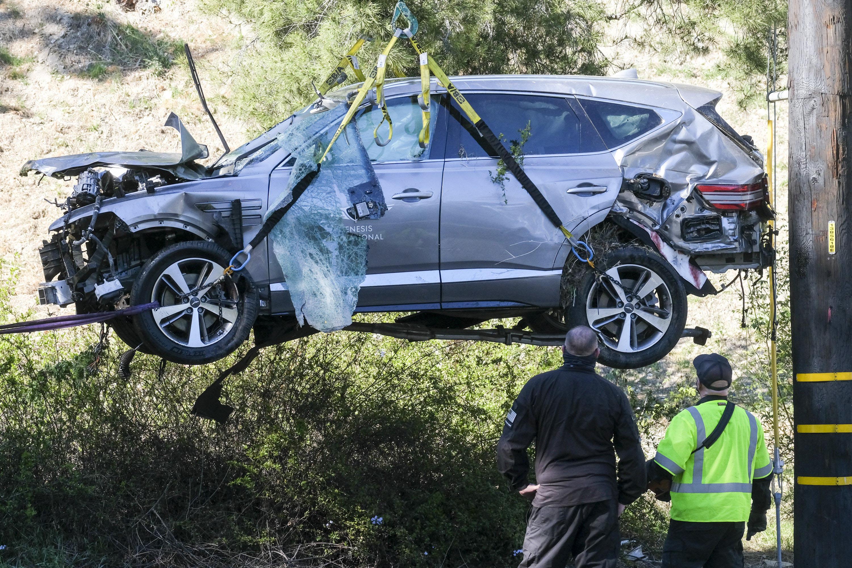 Tiger Woods hồi phục sau tai nạn giao thông nghiêm trọng -0