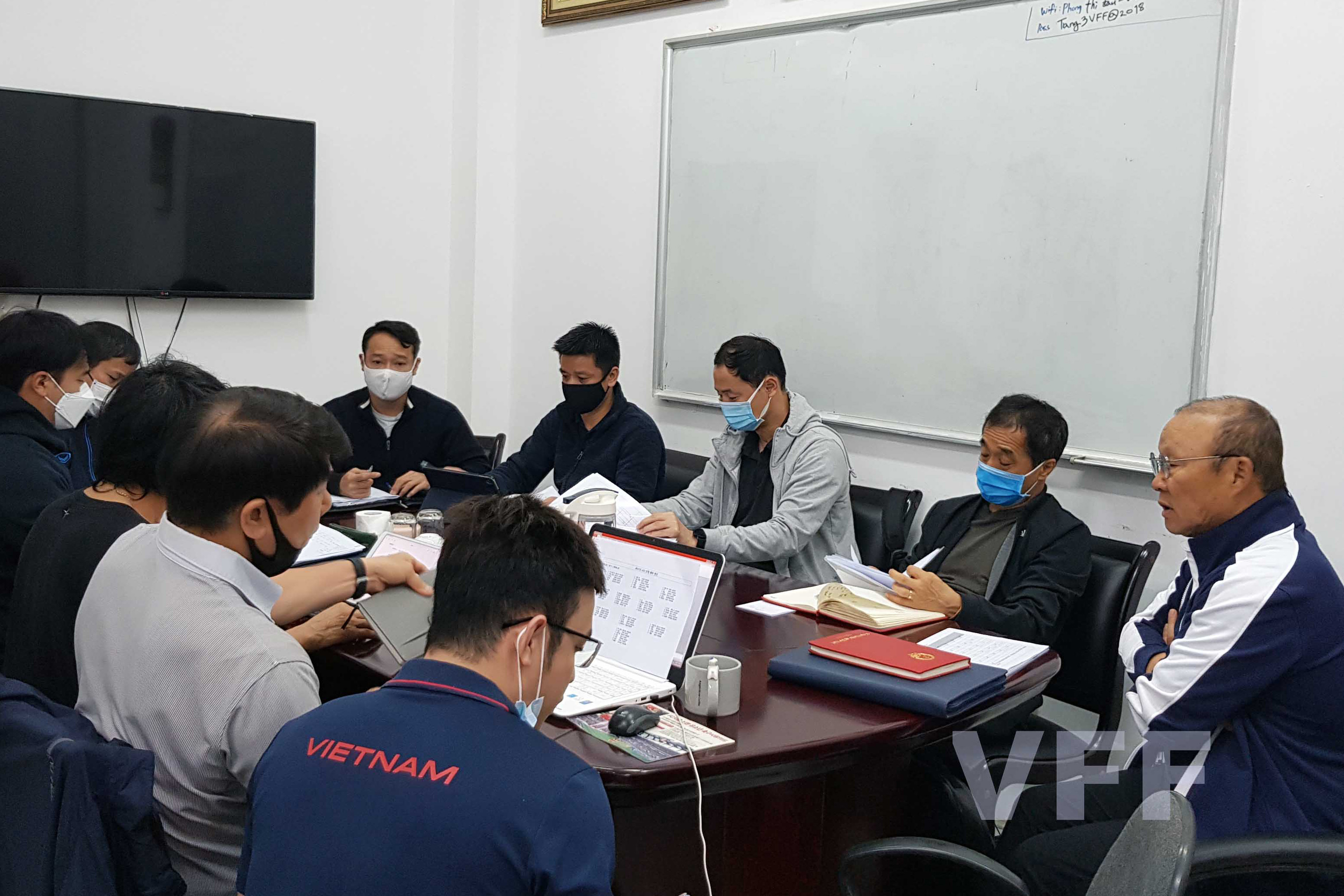 HLV Park Hang Seo và các cộng sự sẵn sàng cho những mục tiêu năm 2021 -0