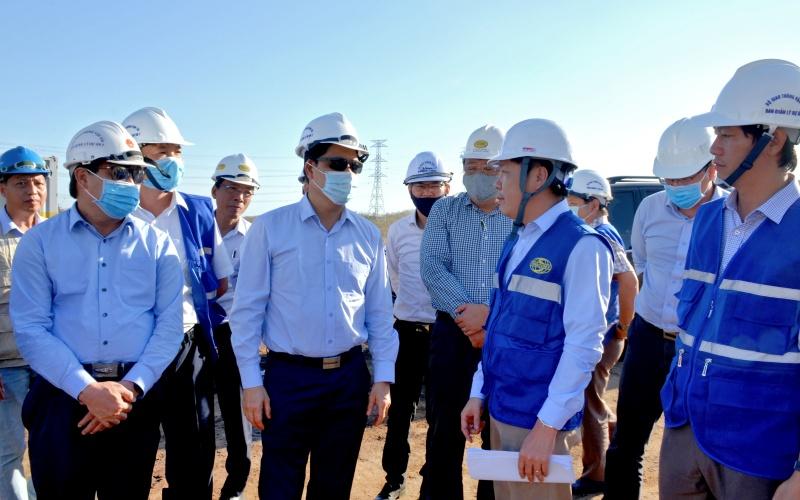 Khó khăn nguồn cung cấp vật liệu đắp nền thi công cao tốc bắc-nam, đoạn qua Bình Thuận -0