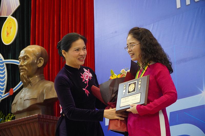 Vinh danh các nhà khoa học nữ nhận Giải thưởng Kovalevskaia năm 2020 -0