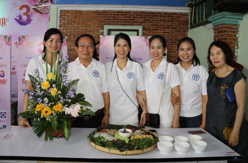Kiều bào Lào với Ngày Quốc tế Phụ nữ năm 2021 -0