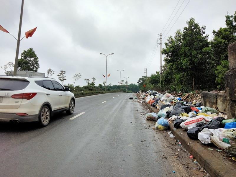 Hà Tĩnh lúng túng xử lý rác thải tồn động dài ngày -0