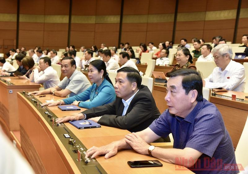 Phê chuẩn bổ nhiệm hai Phó Thủ tướng và 12 thành viên Chính phủ -0