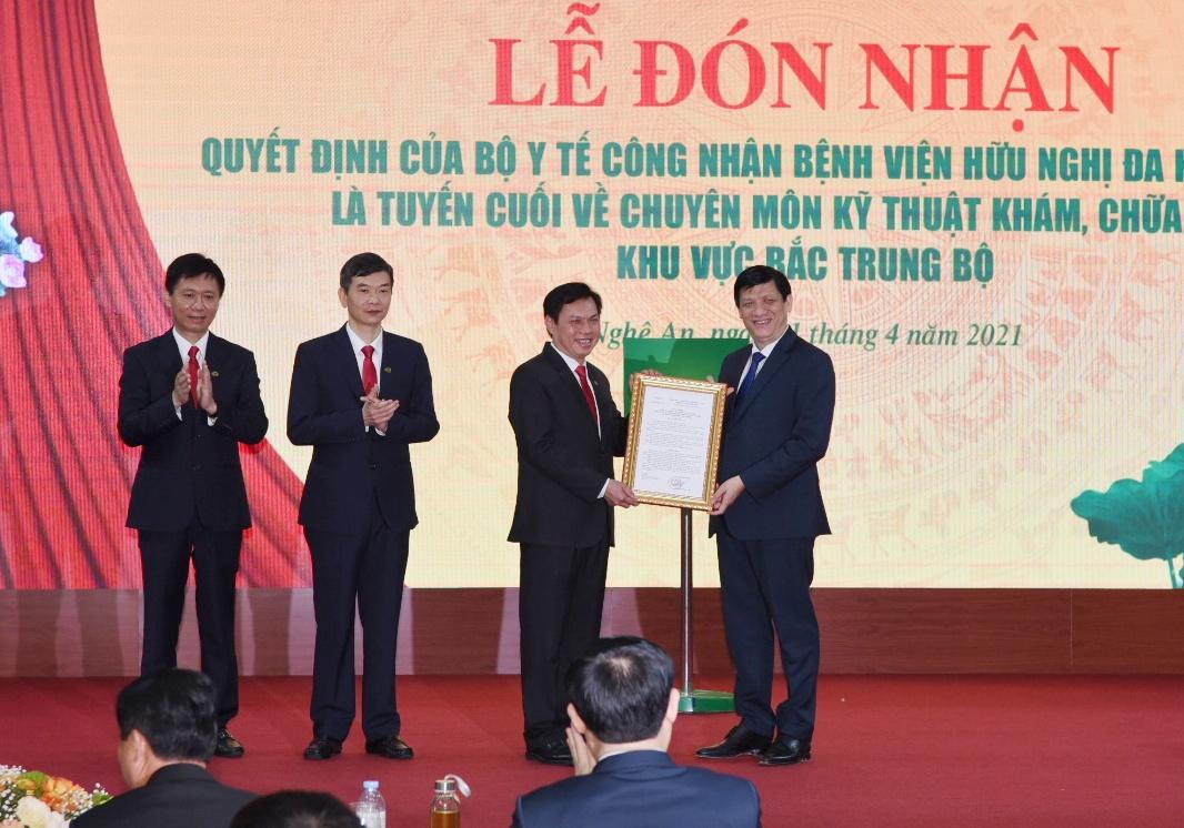 Công bố Quyết định Bệnh viện HNĐK Nghệ An là tuyến cuối khám chữa bệnh khu vực Bắc Trung Bộ -0