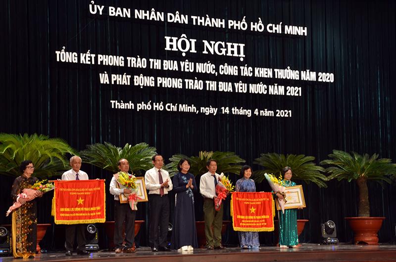 Phong trào thi đua của TP Hồ Chí Minh đạt nhiều kết quả tích cực -0