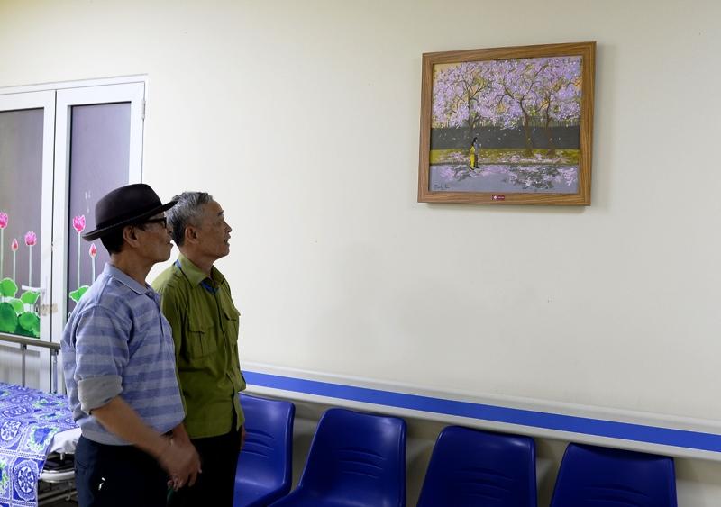 Quỹ tranh Butta Sweet Life trao tặng 35 bức tranhcho Bệnh viện Châm cứu Trung ương -0
