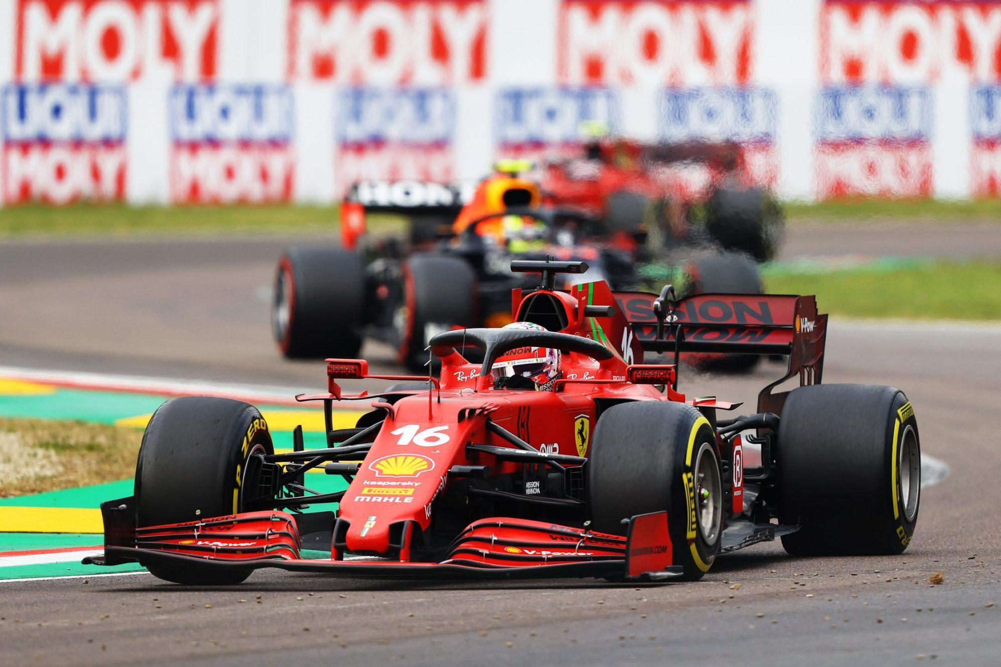 Max Verstappen soán ngôi ngoạn mục tại đường đua Imola -0