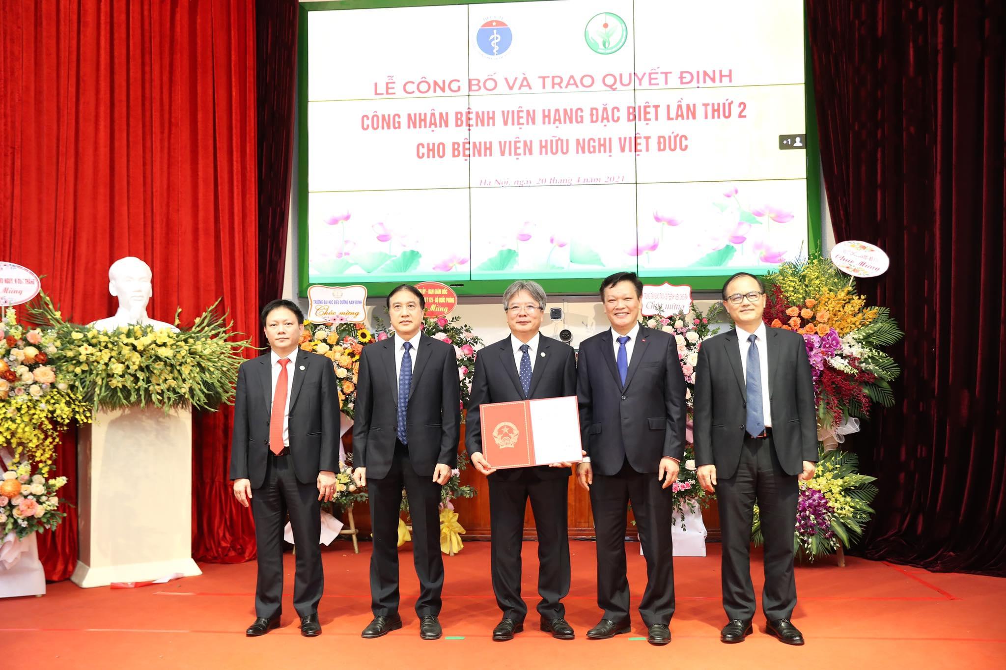 Hiệp hội Phẫu thuật Hoàng gia Anh công nhận Bệnh viện Việt Đức là Trung tâm đào tạo chuẩn toàn cầu -0