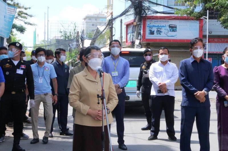 Campuchia ngừng quảng cáo đồ uống có cồn để phòng, chống dịch Covid-19 -0