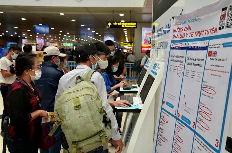 Họp khẩn bàn phương án giải tỏa ùn tắc tại sân bay Tân Sơn Nhất -0