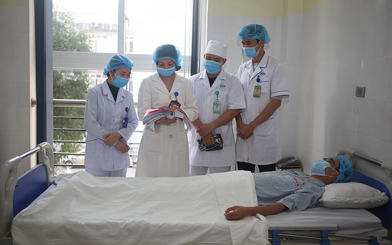 Bệnh viện đa khoa tỉnh Thanh Hóa đón danh hiệu Anh hùng Lao động -0