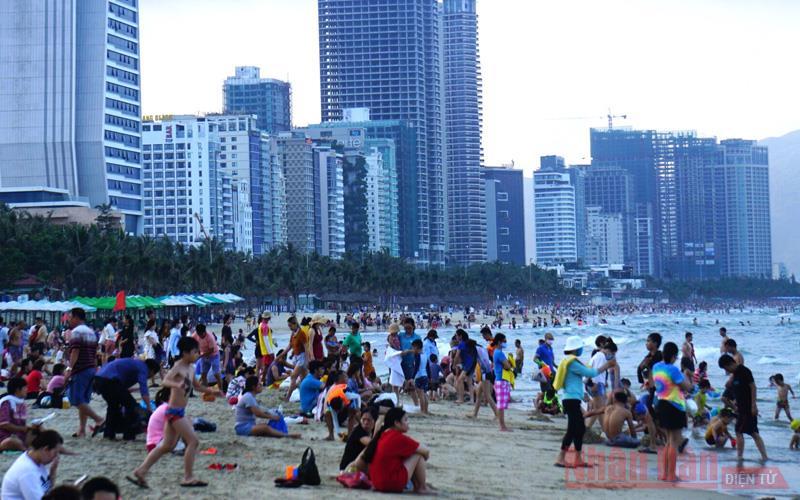 Bài 1: Du lịch nội địa nóng dịp nghỉ lễ và chào hè -0
