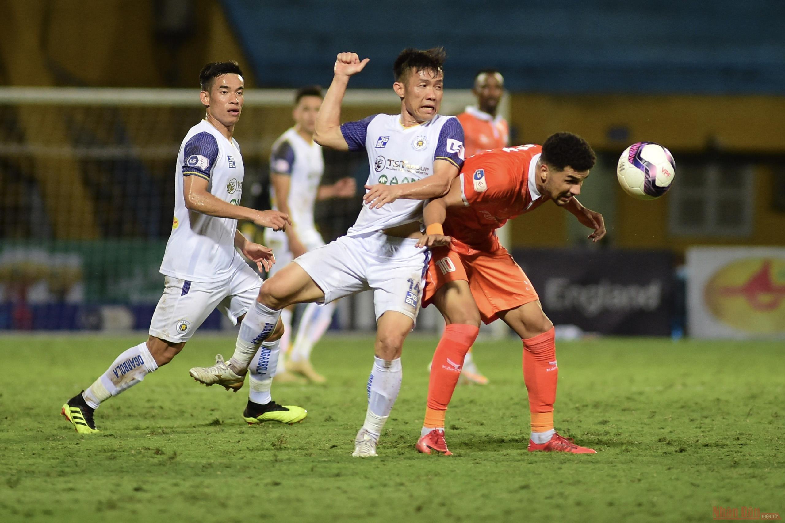 Bình Định thắng tối thiểu trong ngày Hà Nội ra mắt tân HLV -0
