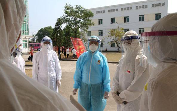 Việt Nam ghi nhận sáu ca Covid-19 lây nhiễm trong nước, 39 ca nhập cảnh - Báo Nhân Dân