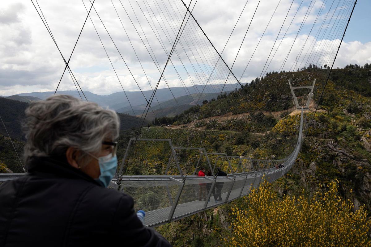 Tới Bồ Đào Nha để thử lòng can đảm trên cây cầu treo dài nhất thế giới -0