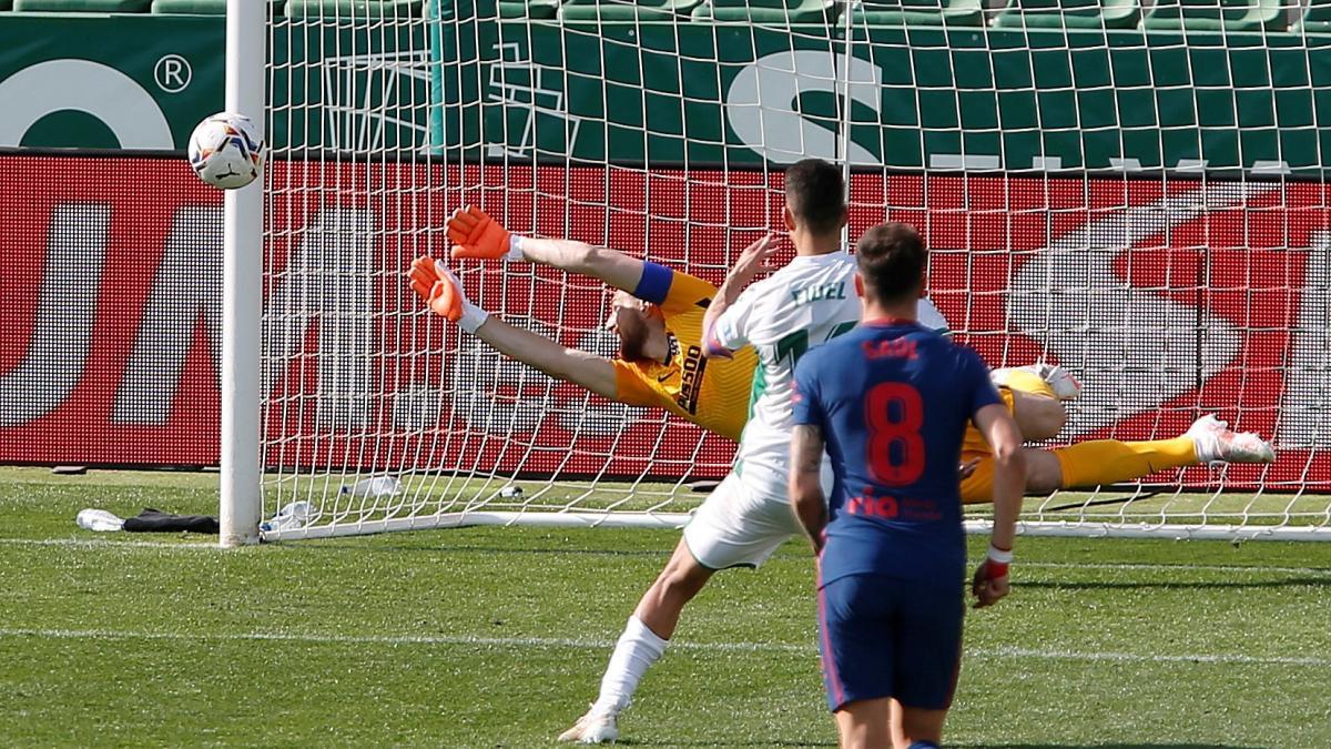Atletico duy trì ngôi đầu La Liga, Real tiếp tục bám đuổi -0