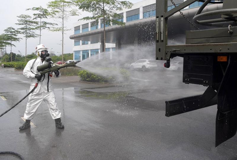 Phun khử khuẩn, tiêu độc Bệnh viện Bệnh Nhiệt đới Trung ương cơ sở Kim Chung -0
