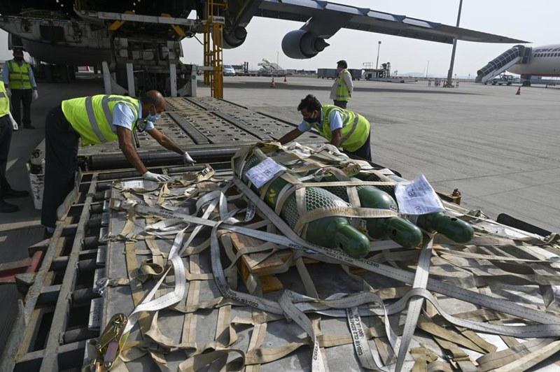 Chuyên gia Ấn Độ cảnh báo làn sóng thứ ba, Philippines xử phạt nặng người vi phạm quy định đeo khẩu trang -0