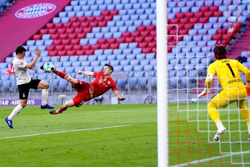 Bayern mừng chức vô địch Bundesliga bằng chiến thắng sáu sao -0
