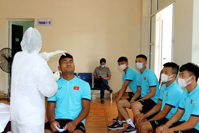 ĐT U22 Việt Nam lấy mẫu xét nghiệm RT-PCR trong ngày đầu hội quân -0