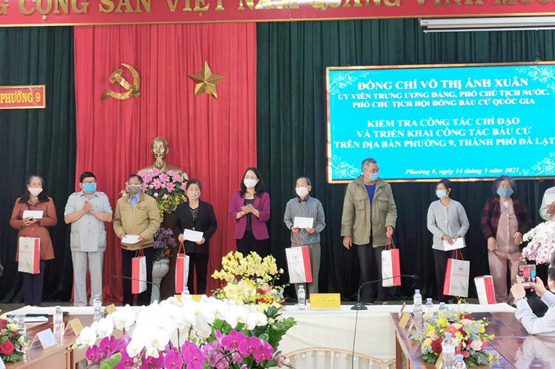 Phó Chủ tịch nước Võ Thị Ánh Xuân kiểm tra công tác bầu cử tại Lâm Đồng -0