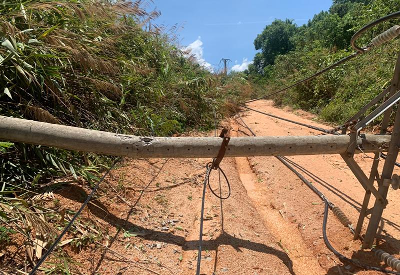Mưa dông, gió lớn gây nhiều thiệt hại tại huyện Ia H'Drai -0