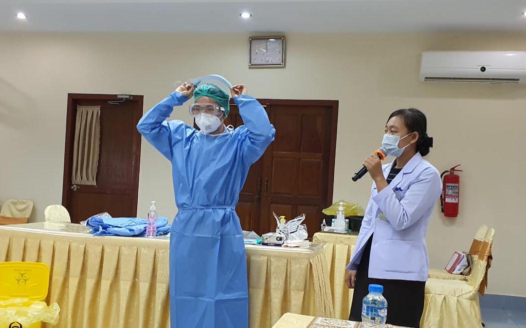 Chuyên gia Việt Nam hỗ trợ cấp cứu kịp thời một thai phụ Lào mắc Covid-19 -0