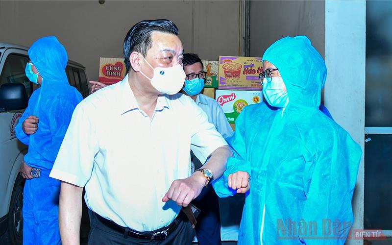 Đoàn bác sĩ Hà Nội lên đường đến Bắc Giang hỗ trợ chống dịch Covid-19 -0