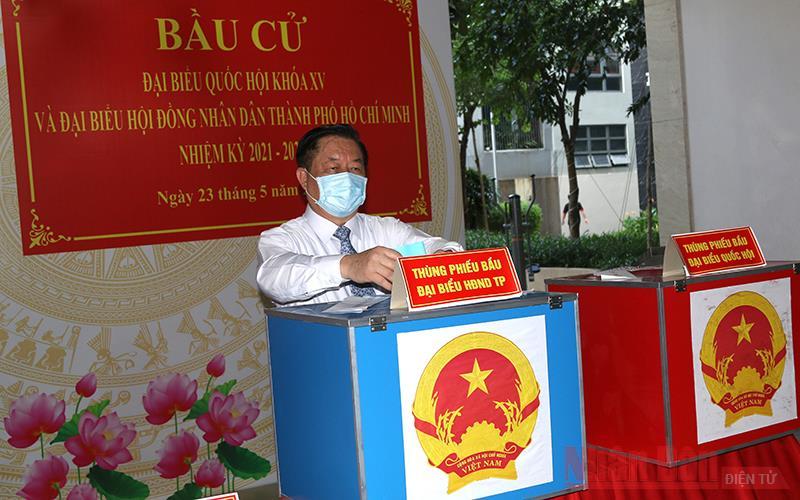 Đồng chí Nguyễn Trọng Nghĩa tham gia bầu cử tại TP Hồ Chí Minh -0