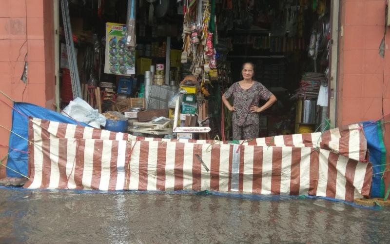 Mưa lớn, nhiều tuyến đường ở TP Hồ Chí Minh ngập như sông -0
