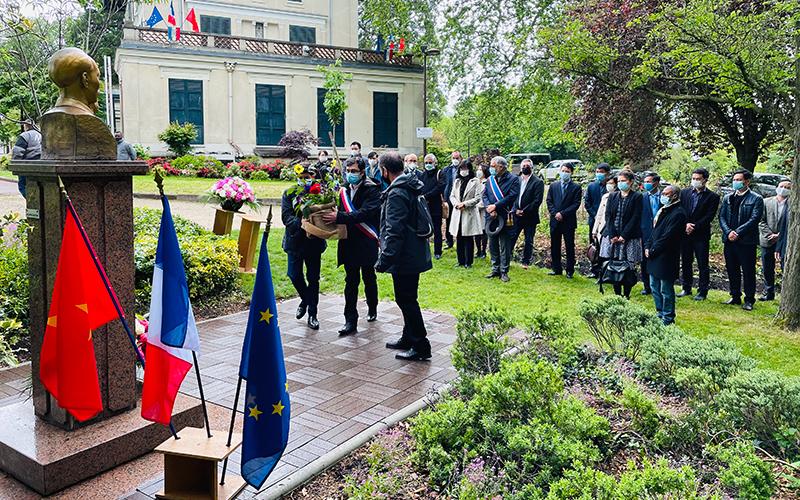Nước Pháp in đậm dấu chân Người -0