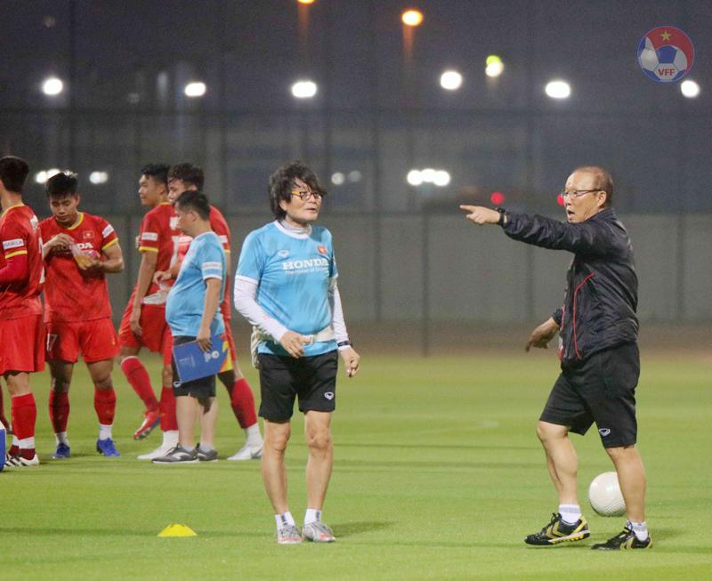 """ĐT Việt Nam nỗ lực vượt qua thử thách mang tên """"thời tiết"""" tại UAE -0"""