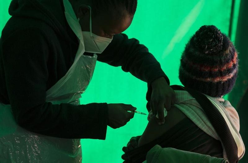 Đại dịch diễn biến theo hai hướng, WHO kêu gọi G7 chia sẻ vaccine -0
