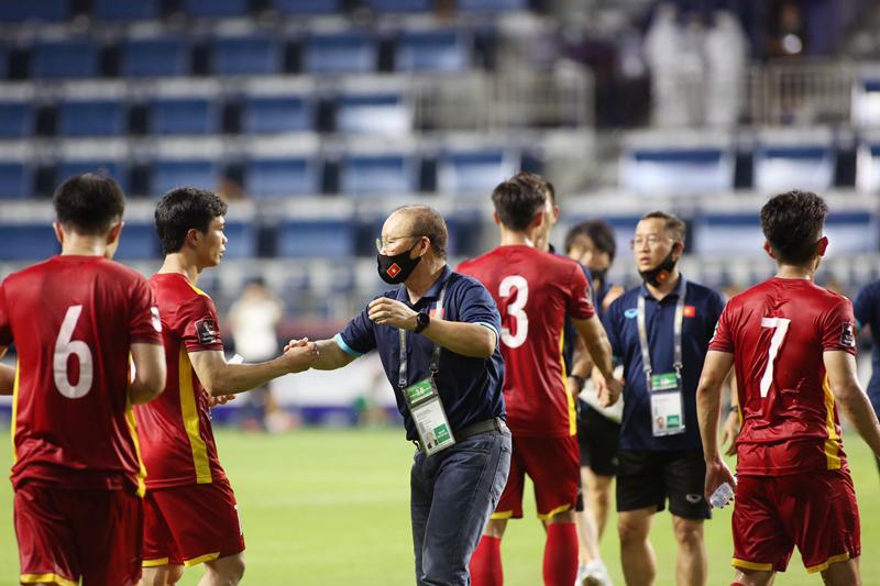 Chủ tịch nước và Chủ tịch Quốc hội chúc mừng chiến thắng 4-0 của ĐT Việt Nam -0