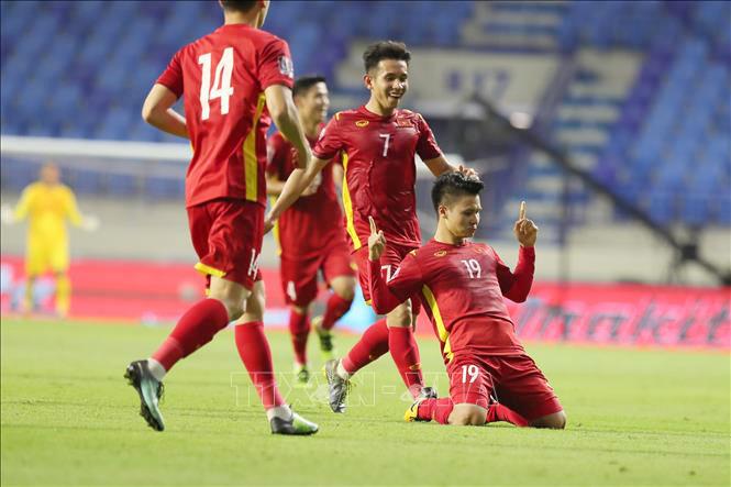 Việt Nam thắng Indonesia 4-0, Quang Hải ghi siêu phẩm