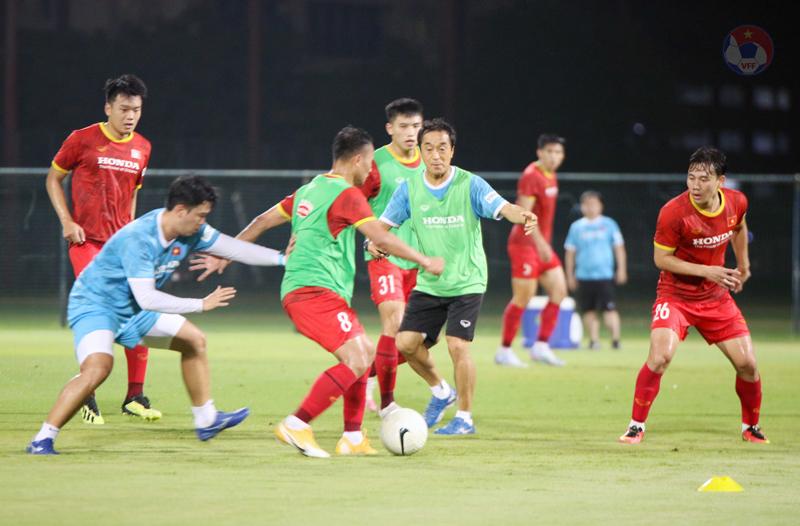 ĐT Việt Nam trở lại sân tập, chuẩn bị cho trận gặp Malaysia -0