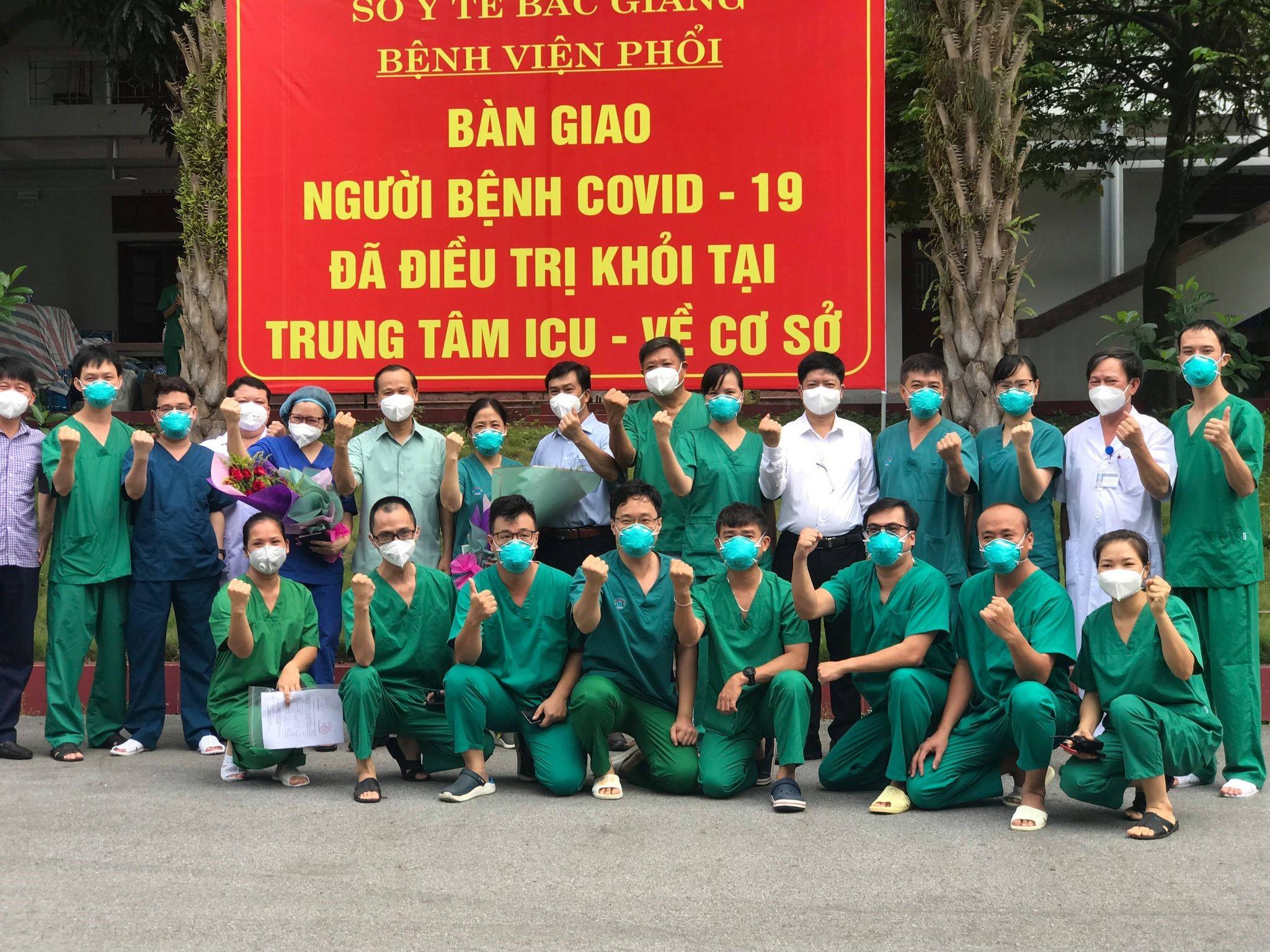 Kỳ tích: Hai bệnh nhân nặng đầu tiên tại Bắc Giang khỏi bệnh -0