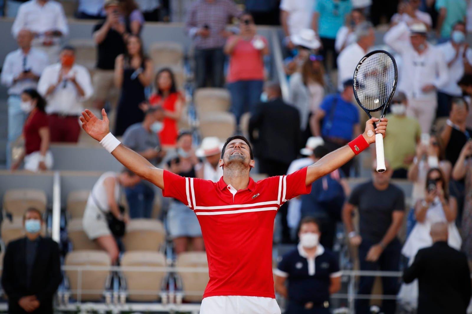 Djokovic lên ngôi Roland Garros sau màn ngược dòng ngoạn mục -0
