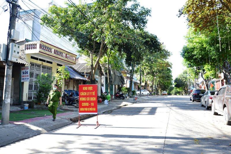 Lập chốt kiểm soát ra, vào thành phố Lào Cai -0