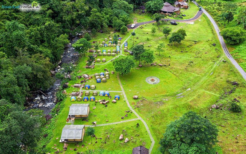 Lào cho phép mở lại du lịch ở khu vực không còn ca mắc Covid-19 -0