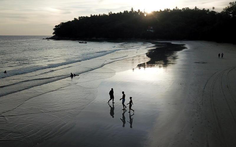Hộp cát Phuket: Quanh co để phục hồi -0
