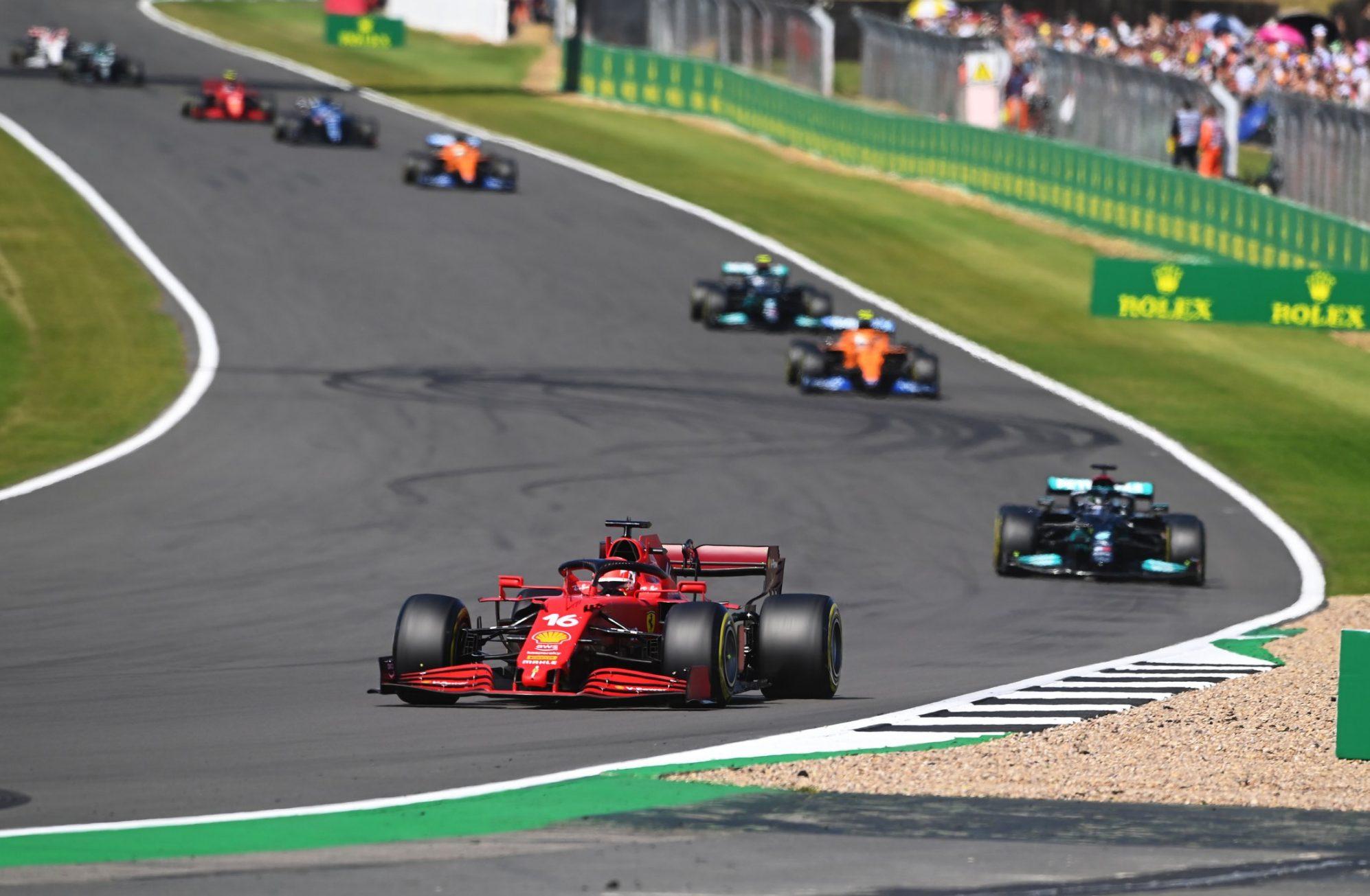 Hamilton chiến thắng trên sân nhà Silverstone -0
